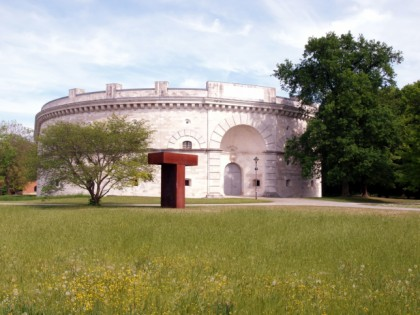 Photo: museums and exhibitions, architectural monuments, parks and recreation, Reduit Tilly, Glacis & Klenzepark, Bavaria